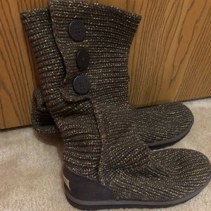 Ugg sweater boots size 7